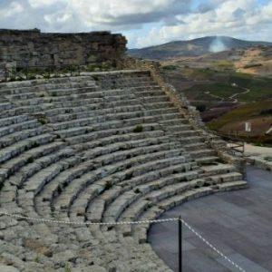parco-archeologico-segesta-teatro-greco-provincia-di-trapani