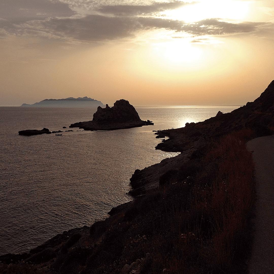 tramonto-al-faraglionne-levanzo
